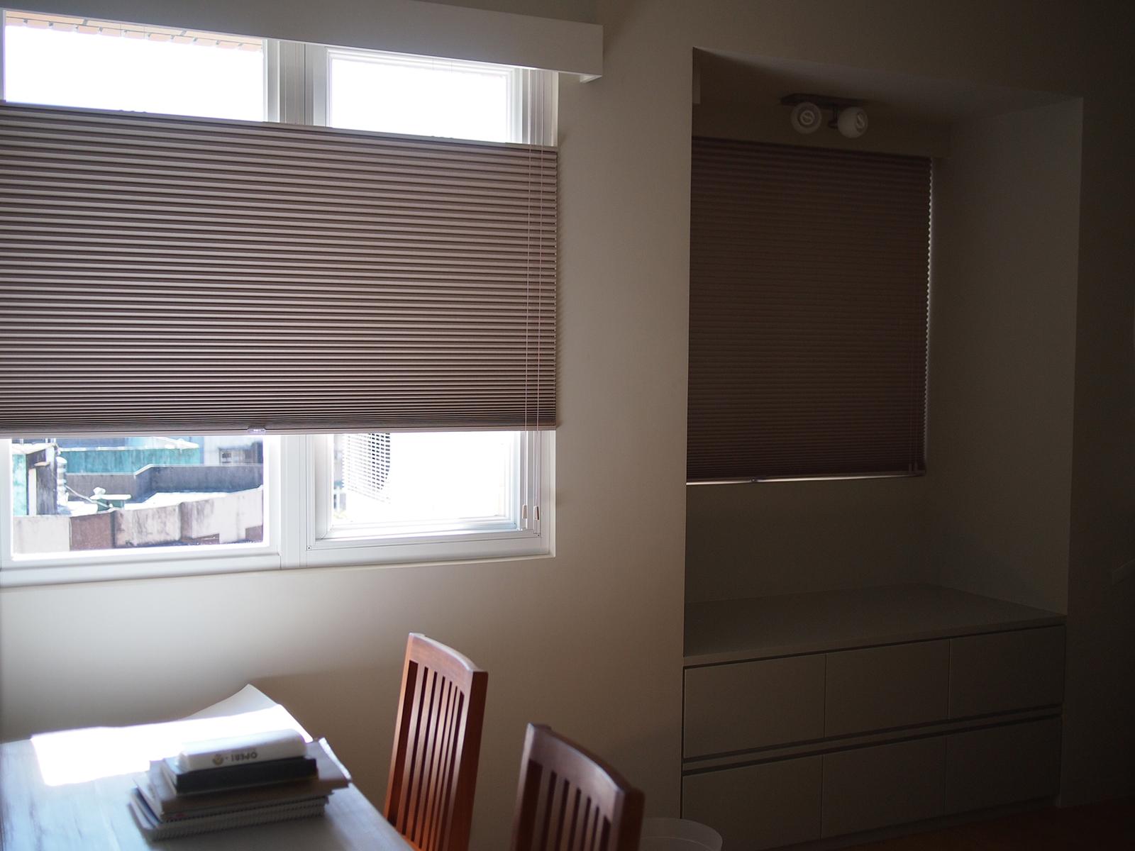 [案例] 劃分內外,但不用犧牲窗外的藍天-上下開蜂巢簾.遮光蜂巢簾