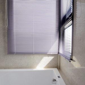 防水窗簾, 鋁百葉簾, 通風窗簾, 衛浴窗簾, 窗簾推薦, 無拉繩窗簾, 浴室窗簾, 浴室百葉簾, 廁所窗簾, 塑膠窗簾