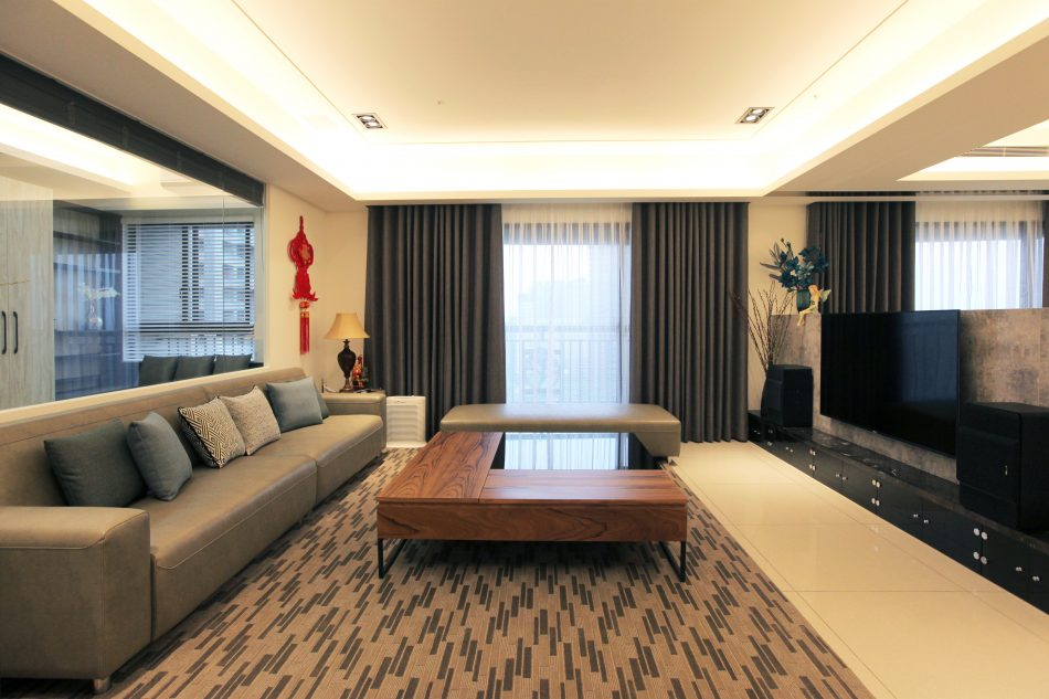 IMG 4261 1 950x633 - [案例] 新古典輕奢華!林口醫生的家-捲簾.訂製布簾.百葉簾