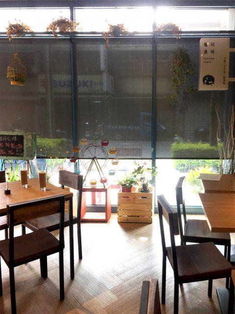 18032902 480x640 - [案例] 玩味餐桌,萬國創意料理的夢幻遊樂園-遮陽捲簾