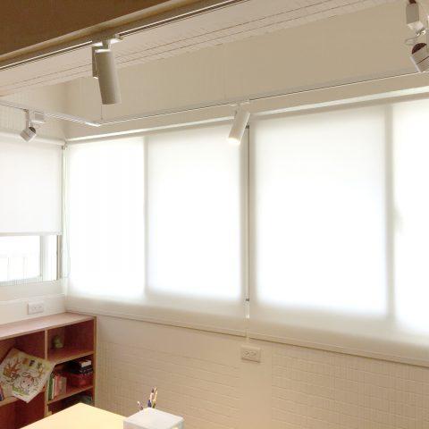 18051702 480x480 - [案例] 白色主題角落,用陽光塑造風格-素色捲簾