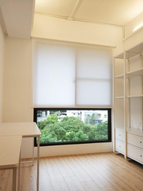 落地窗窗簾, 臥室窗簾, 素色捲簾, 白色窗簾, 新竹窗簾, 採光捲簾, 捲簾, 室內配色, 客廳窗簾