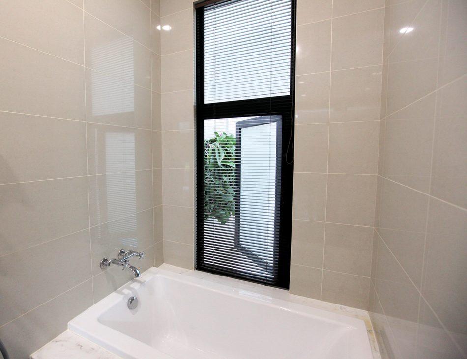 浴室窗簾 防水窗簾 鋁百葉簾
