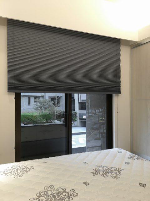 灰色 風巢簾 風琴簾 隔熱窗簾 遮光窗簾