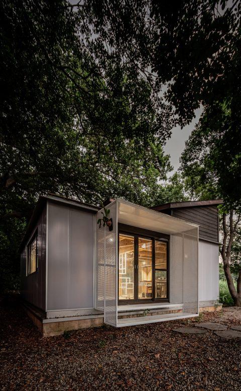 治離線生活的容器 House1/2 木屋 構築設計 治器 雨庇設計
