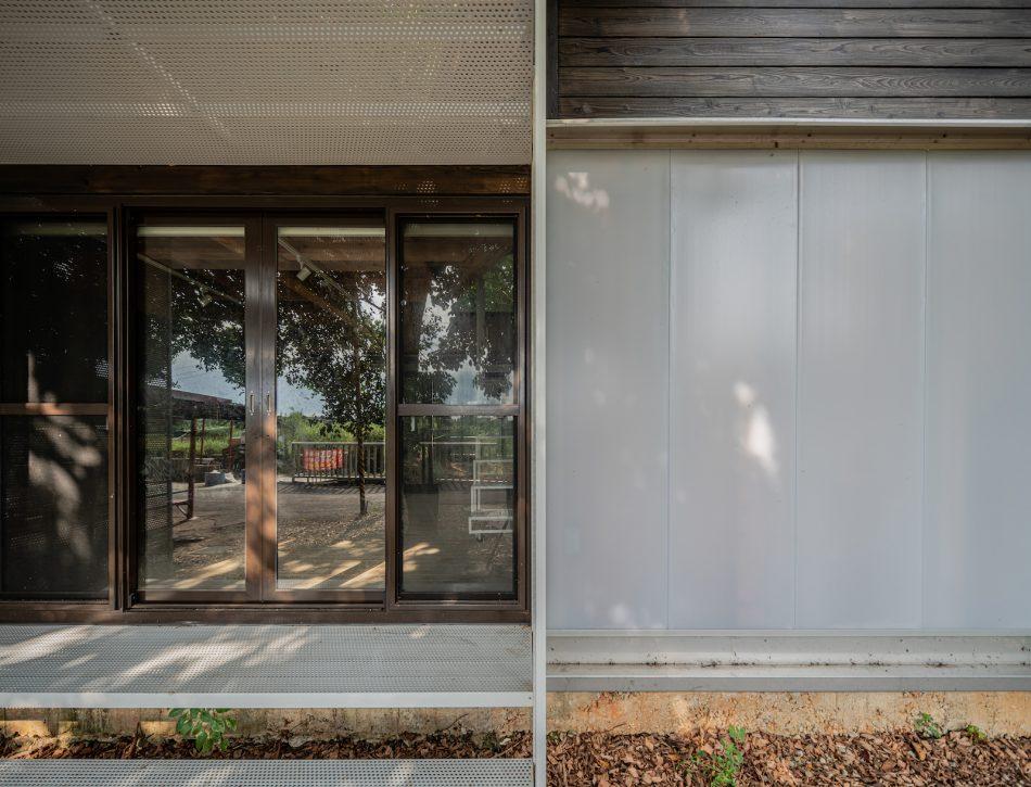 治離線生活的容器 House1/2 木屋 構築設計 治器 落地窗設計 雨庇設計