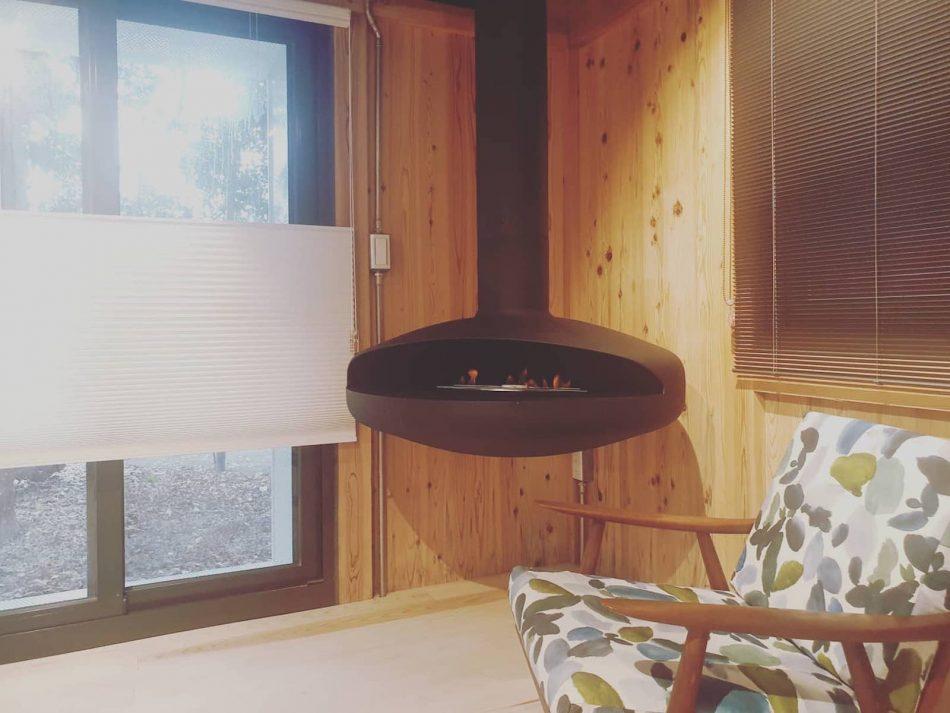 治離線生活的容器 House1/2 木屋 構築設計 治器 飛碟型壁爐 蜂巢簾 風琴簾