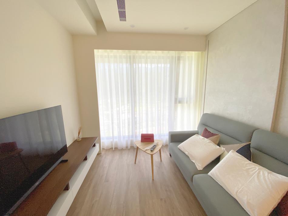 紗簾 客廳設計 客廳窗簾就驗 簡約風 落地窗 宜蘭民宿