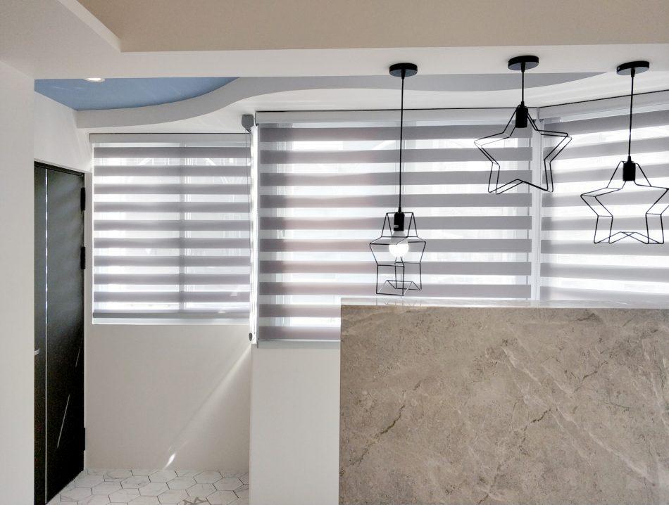 調光捲簾 斑馬簾 精緻型上軌 灰色設計 客廳設計