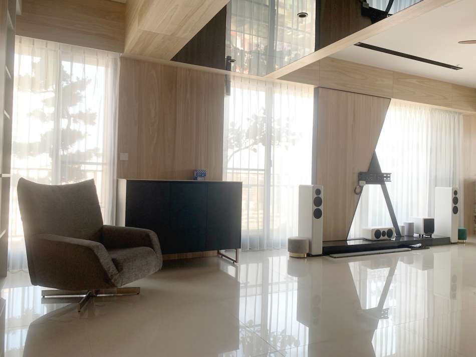紗簾 透光窗簾 客廳設計 客廳窗簾 落地窗