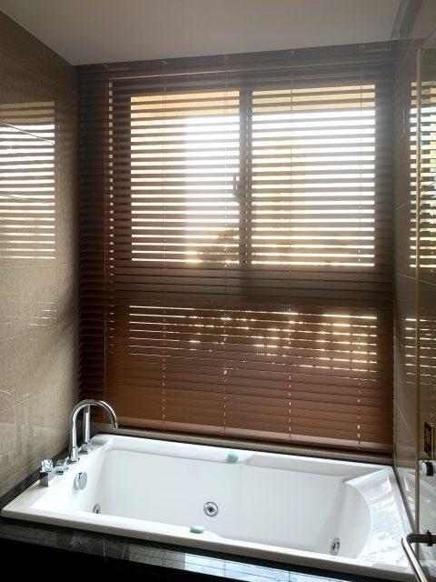 防水窗簾 木百葉 防水百葉簾 通風窗簾 採光窗簾 浴室窗簾
